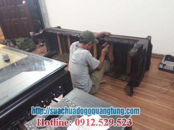 thợ mộc sửa chữa bần ghế gỗ tại nhà